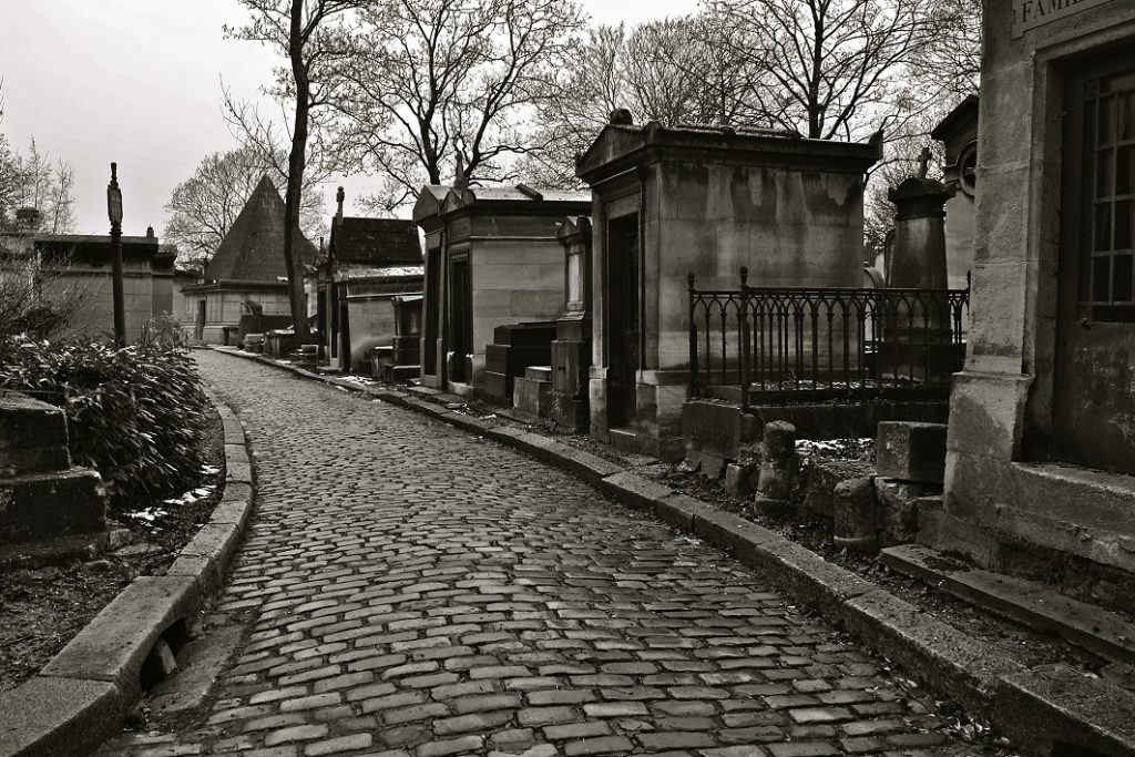 Pere Lachaise Haunted Cemetary